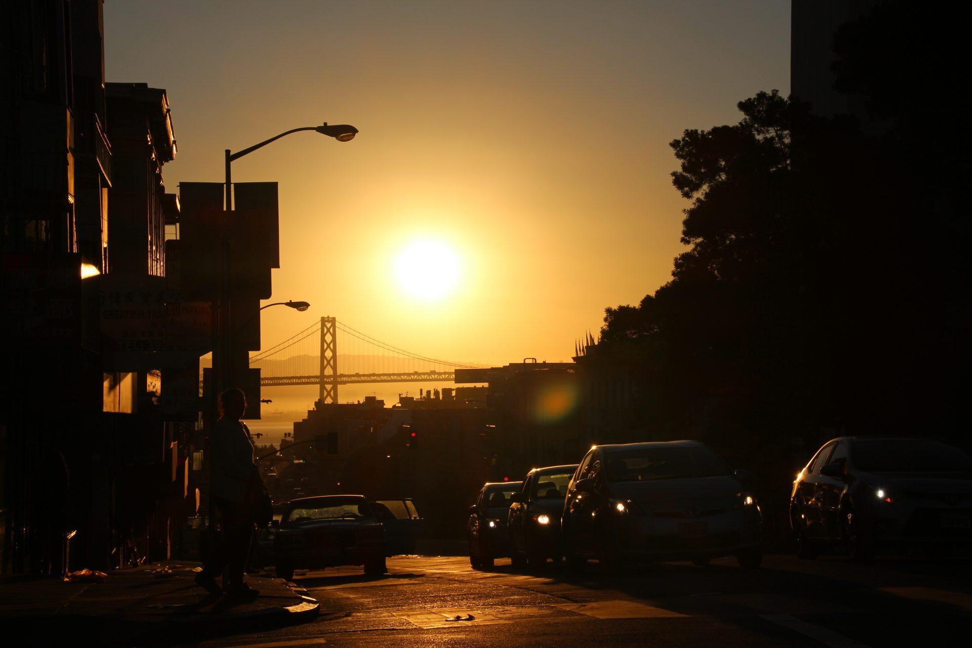 Sonnenaufgang in den Straßen von San Francisco